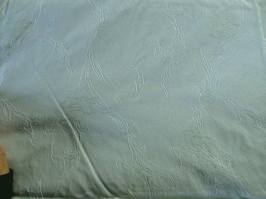 Coton épais vert jade clair broderies 01