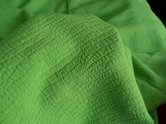 Coton polyester façonné croco vert prairie 2