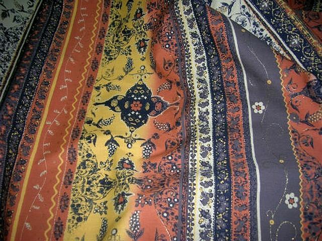 Coton fin motif frises liberty tons terre 1