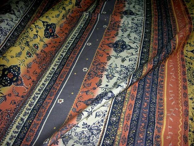 Coton fin motif frises liberty tons terre 2