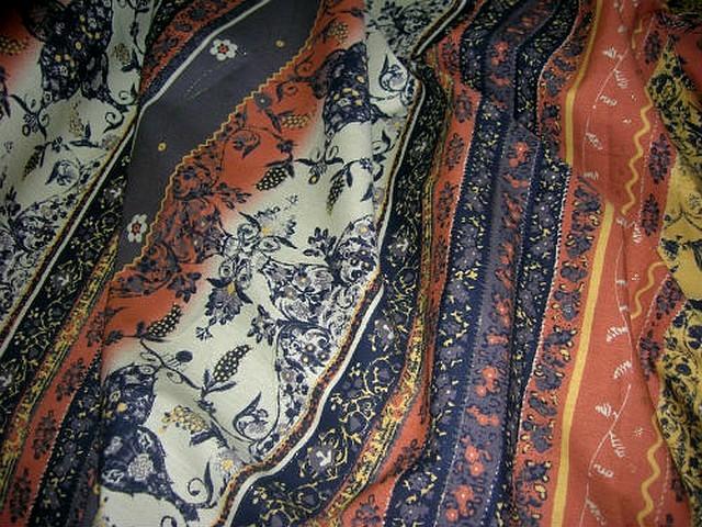 Coton fin motif frises liberty tons terre 3