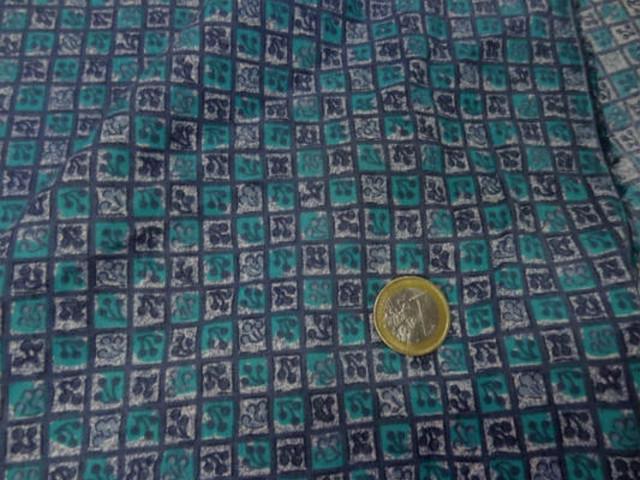 Coton fin petits carreaux cerises bleu vert 4