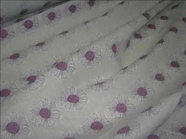 Coton fond beurre paquerettes coeur lilas
