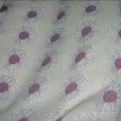 Coton fond beurre paquerettes coeur lilas 1