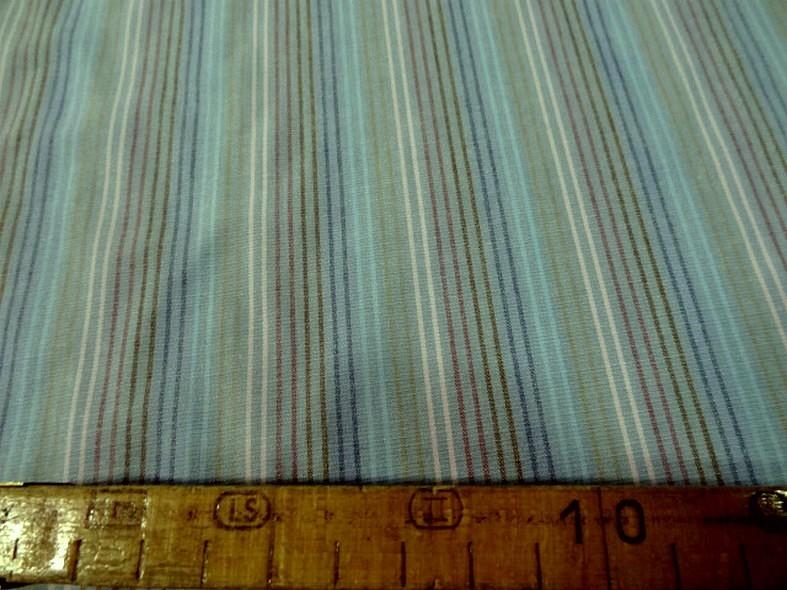 Coton fond gris bleute a fines rayures 2 1