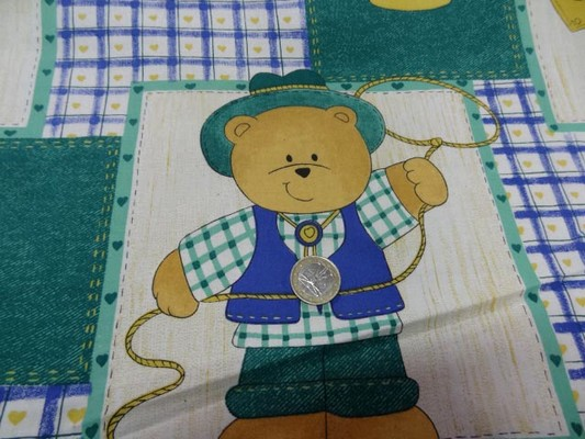 Coton imprimé ourson shérif blanc bleu vert 3