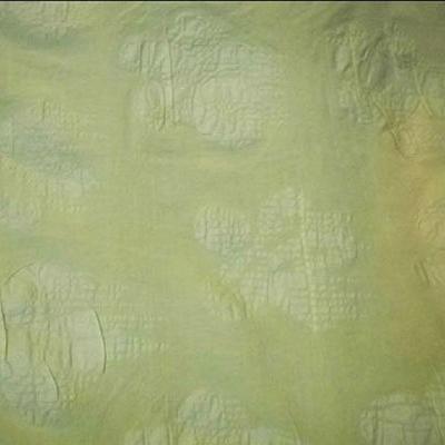 Coton jaune paille motif fleur gauffre
