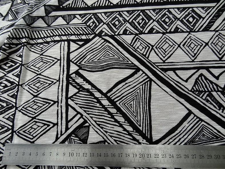 Coton jersey ethnique noir et blanc casse 2