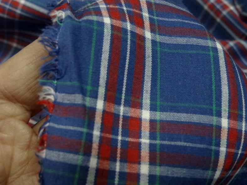 Coton leger fond bleu saphir a carreaux madras 4