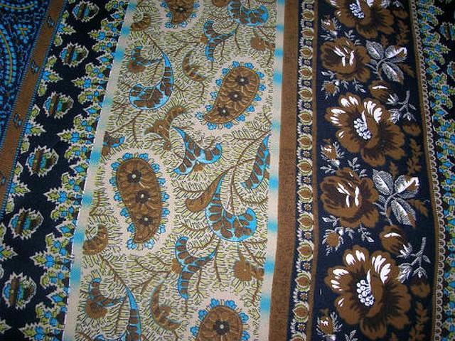 Coton motif frises cachemire bleu chaudron 2