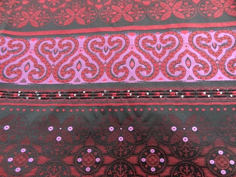 Coton motifs tisses noir fuchsia rouge a sequins 2