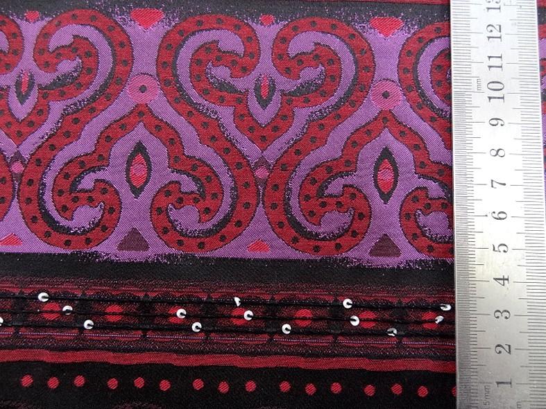 Coton motifs tisses noir fuchsia rouge a sequins 3