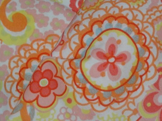 Coton percale imprimé fleurs stylisées 3