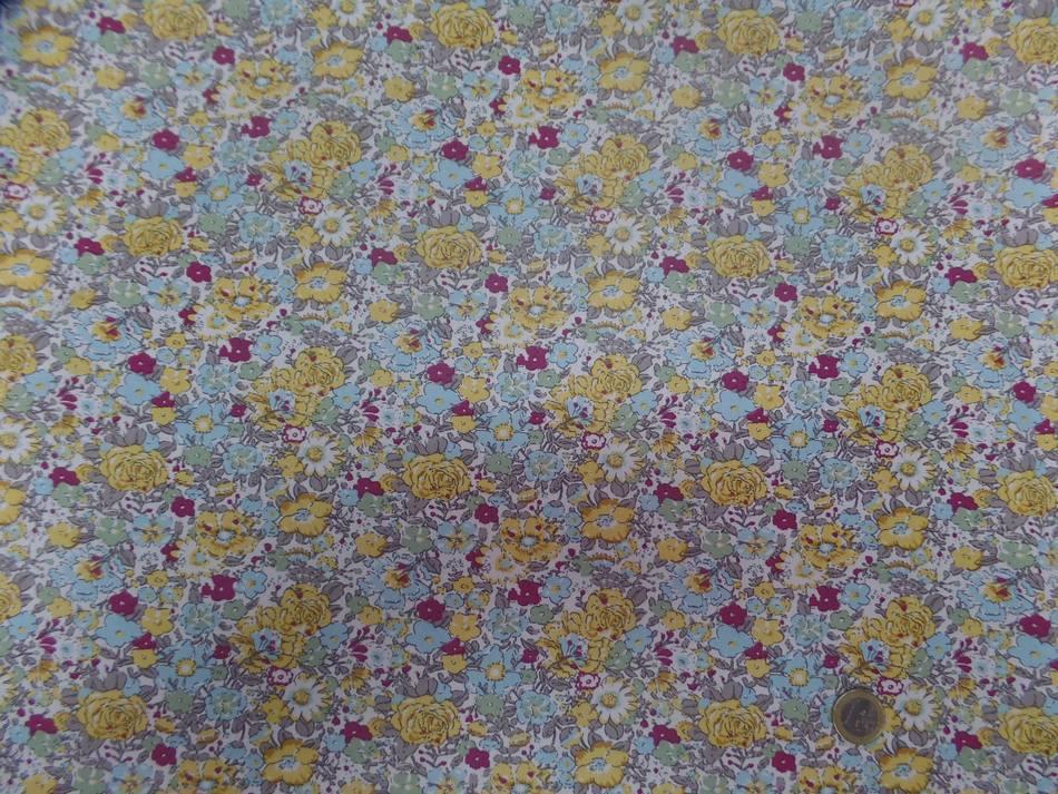Coton popeline blanche imprime liberty fleurs bleu gris bordeaux et jaune