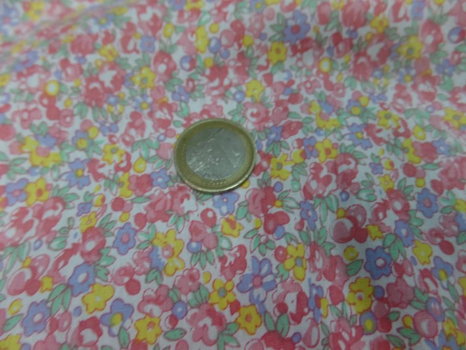 coton popeline blanche imprimé style liberty petite fleurs rose,jaune,bleu