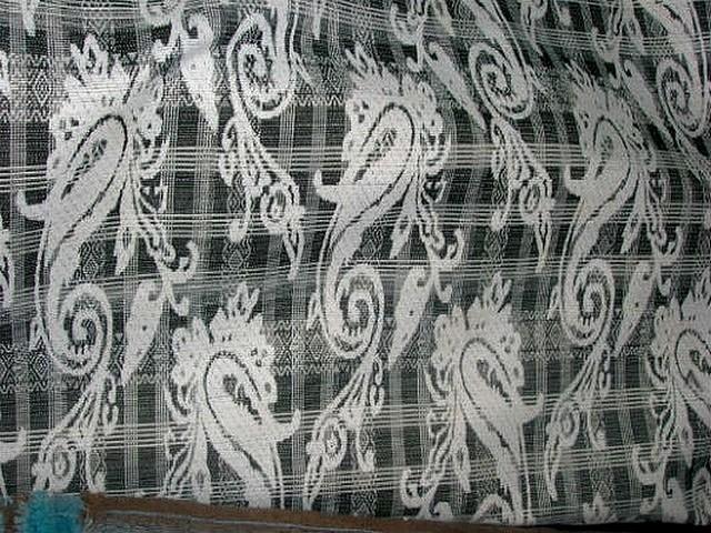 Coton reversible cachemire noir blanc et couleur 3