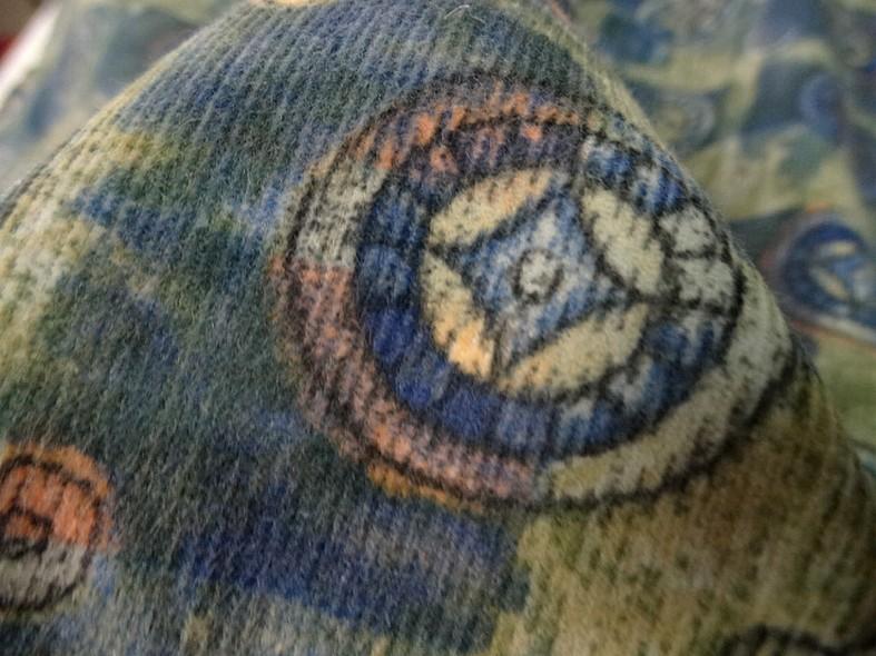 Coton velours cotele motif medaillons celtiques 2
