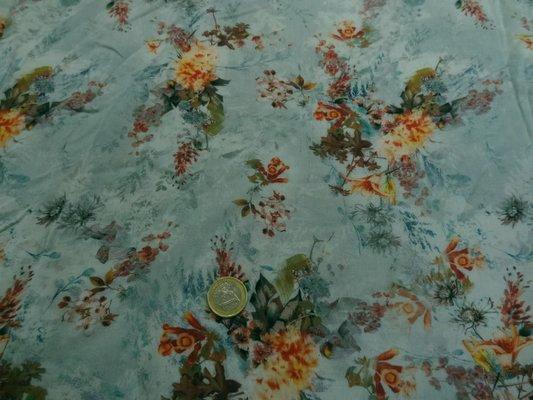 Coton viscose fleurs délicates 01