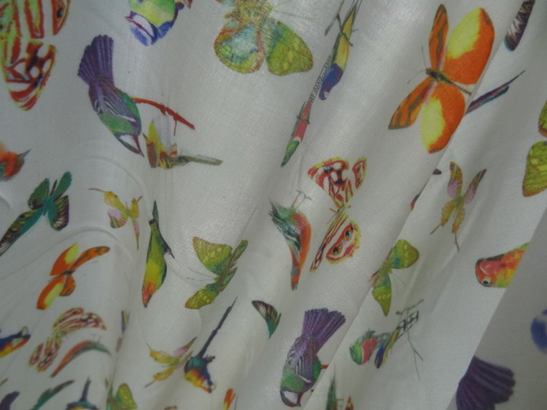 Coton viscose fond blanc casse motifs papillons et oiseaux 2