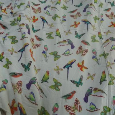 Coton viscose fond blanc casse motifs papillons et oiseaux 3