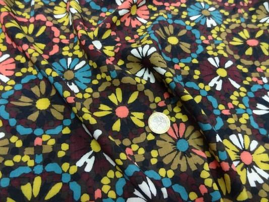 Coton viscose imprimé fleurs ton marron-jaune-bleu 4