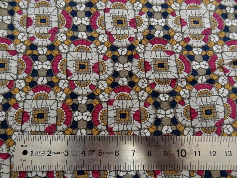 Coton viscose motif art deco ethnique noir moutarde framboise 11