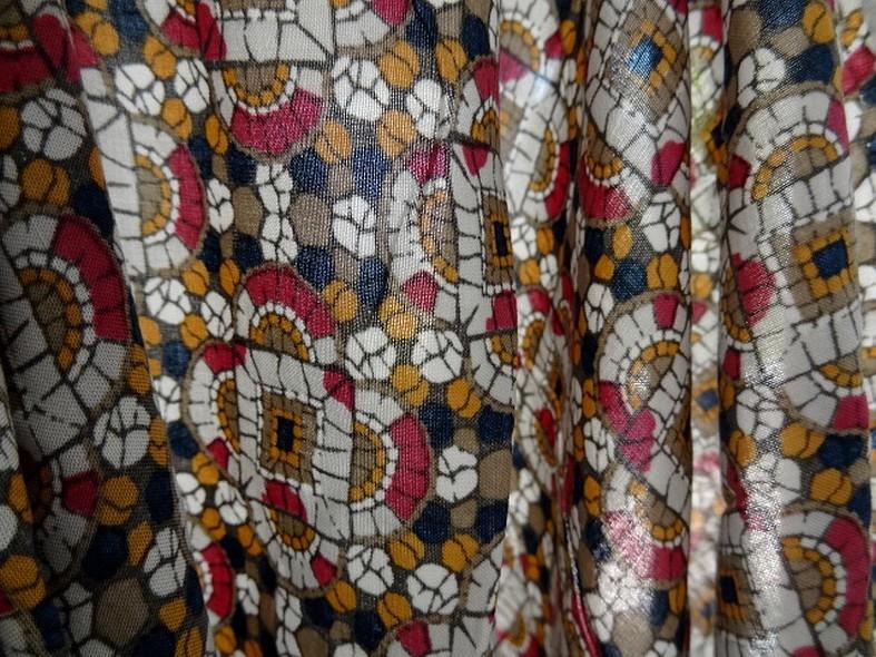 Coton viscose motif art deco ethnique noir moutarde framboise 12