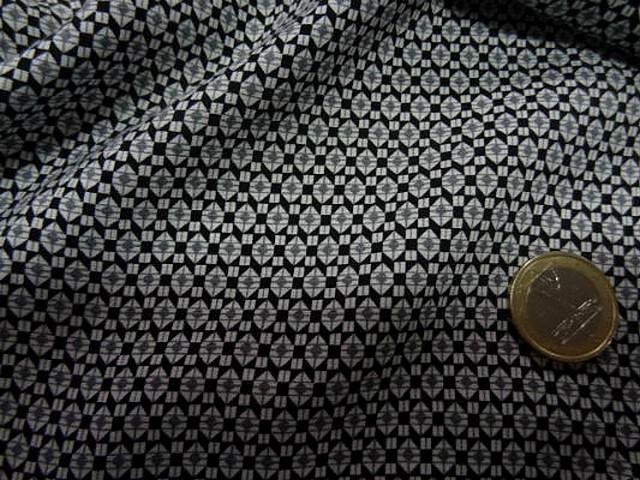 Coton viscose noir motif petit hexagone 2