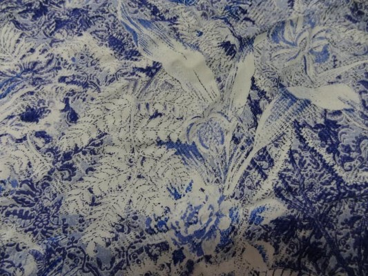 Coton viscose papillons feuillage bleu blanc 3