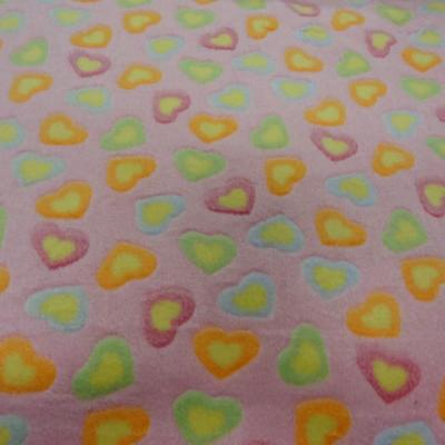 polaire doudou rose motifs coeurs 4