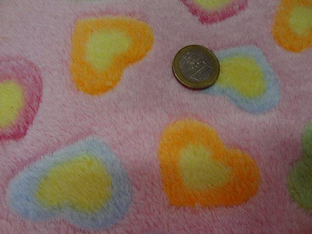 polaire doudou rose motifs coeurs 6