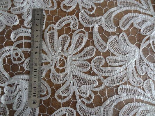 résille motifs tissu cousu façon guipure blanc 03