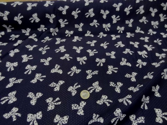 polyester bleu nuit imprimé noeuds gansés blanc