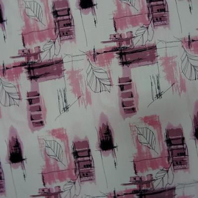 Crepe blanc motifs feuillage toitures rose 3