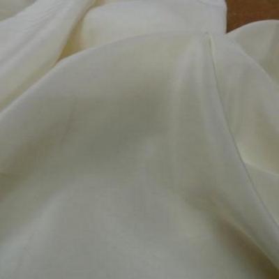 Crepe de soie ecru 1
