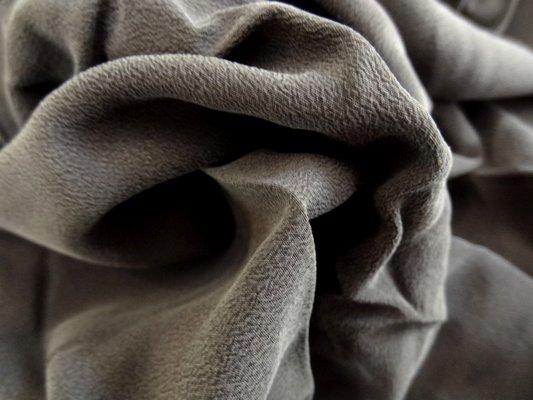 Crêpe de soie gris bis 01