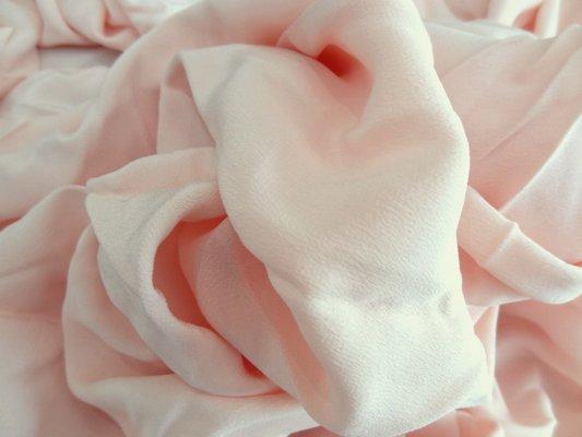 Crêpe de soie rose poudré 01