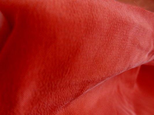 Crêpe de soie rouge tomate 02