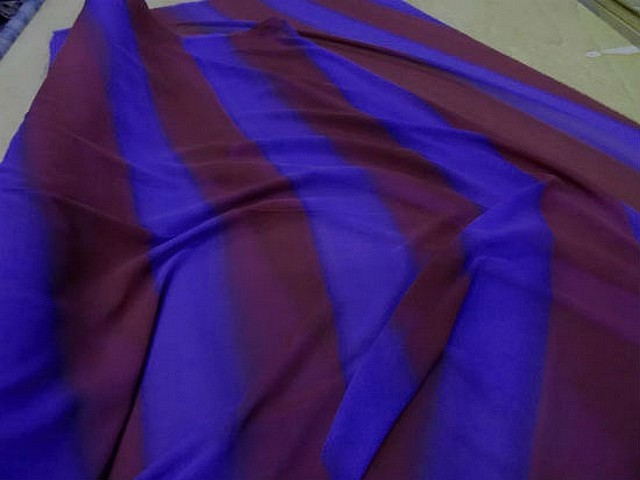 Crepe grosses rayures violet rouge cardinal 2