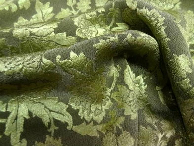 Crepe satin kaki motifs classiques vert tilleul