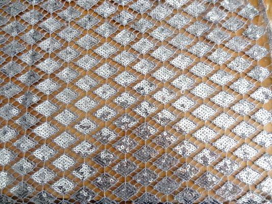 Crochet avec sequins en losange 01