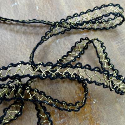 Croquet aerien noir et or 1