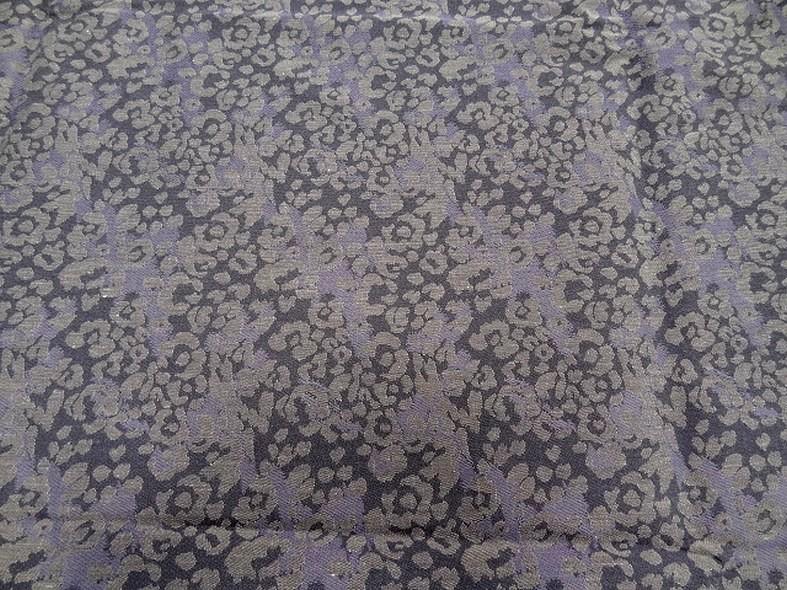 Damasse de coton motif tisse camouflage teintes aubergine glycine 5