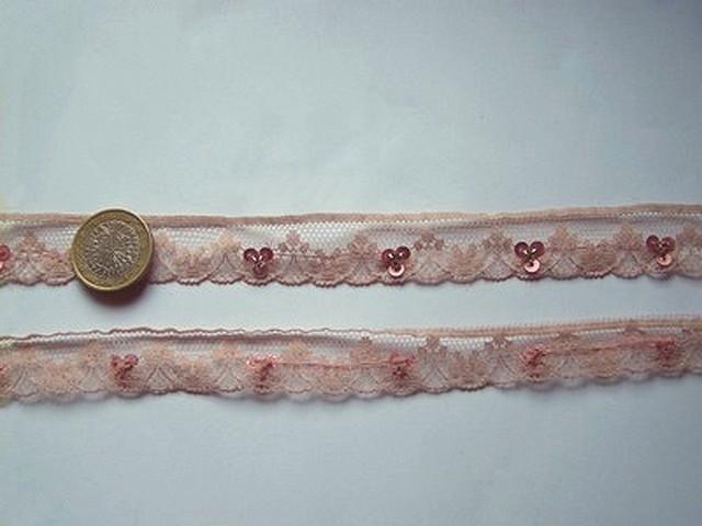 Dentelle fine anais vieux rose a sequins 1