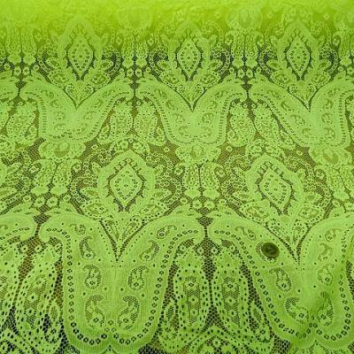 Dentelle jaune chartreuse motif classique 1