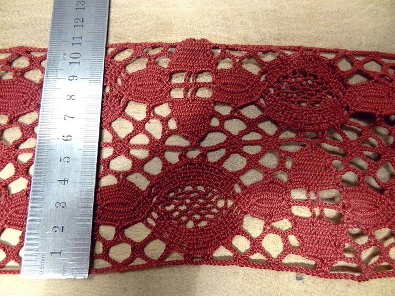 Dentelle large de coton crochete rouge fraise 2