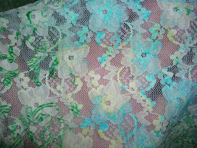 Dentelle lycra fleurie blanc cyan vert menthe 2