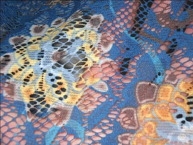 Dentelle resille bleu cobalt motif fleuri 4
