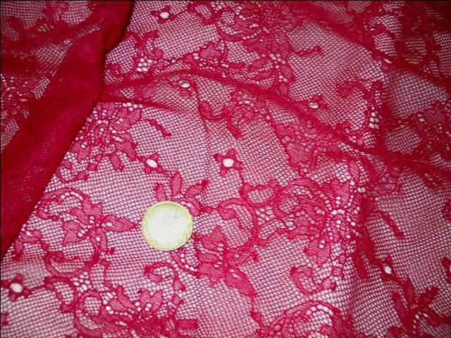 Dentelle resille fine rose rubis