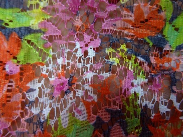 Dentelle seche motif bouquet 1